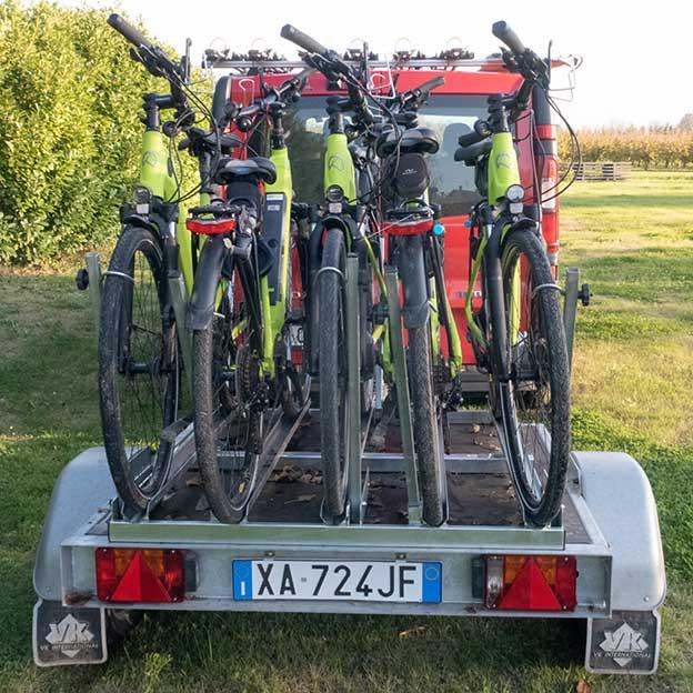 carrello per 5 e-bike noleggio italia