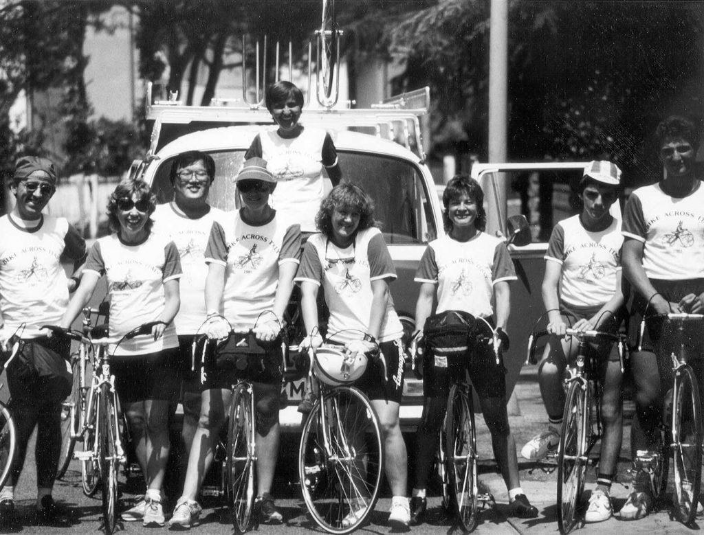 cicloturismo in Italia - foto di gruppo in bici